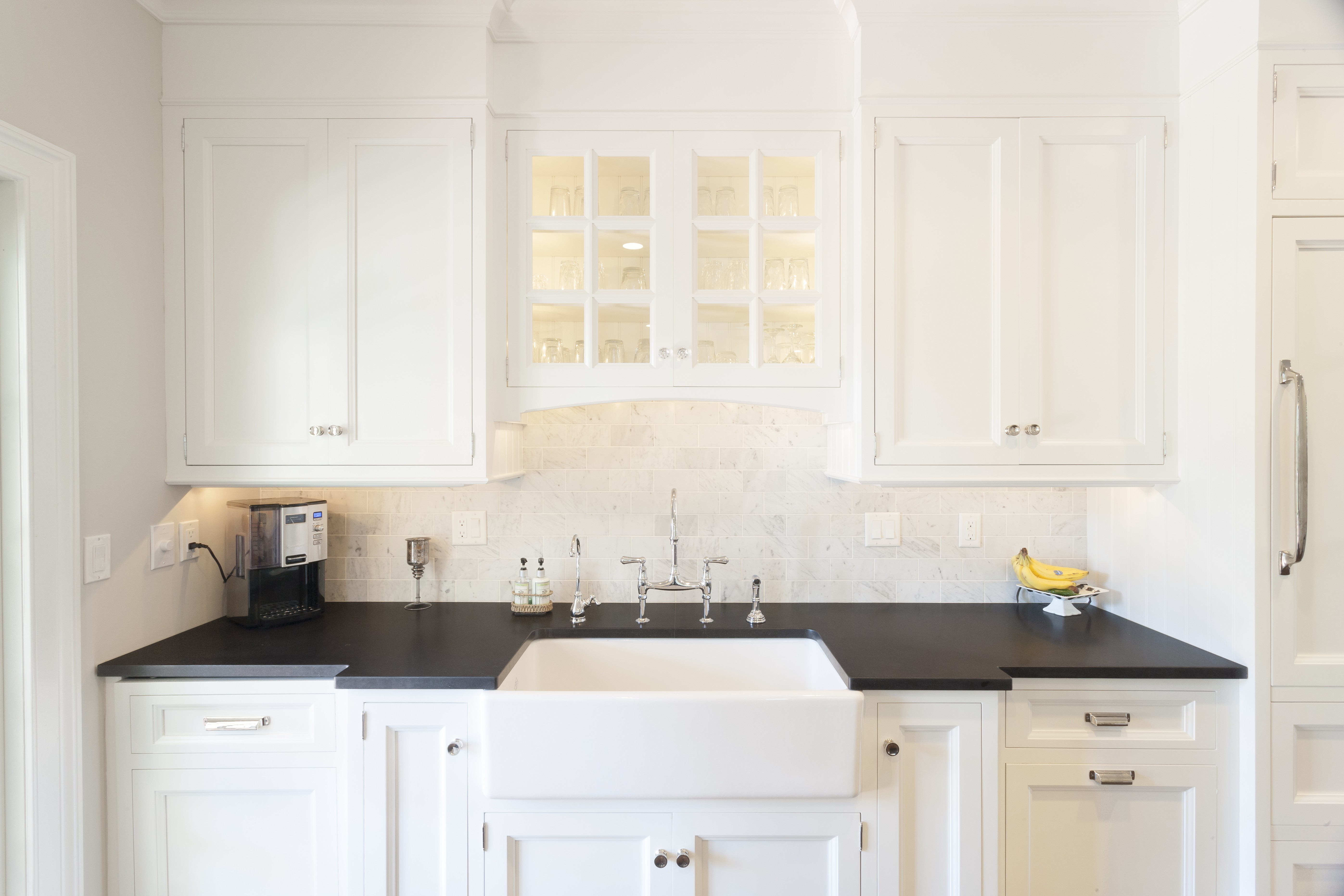 White Kitchen Cabinets Are The Chameleons Of The Kitchen Design World. They  Match Perfectly With Any Style, Whether Modern And Classy Or Youthful And  ...