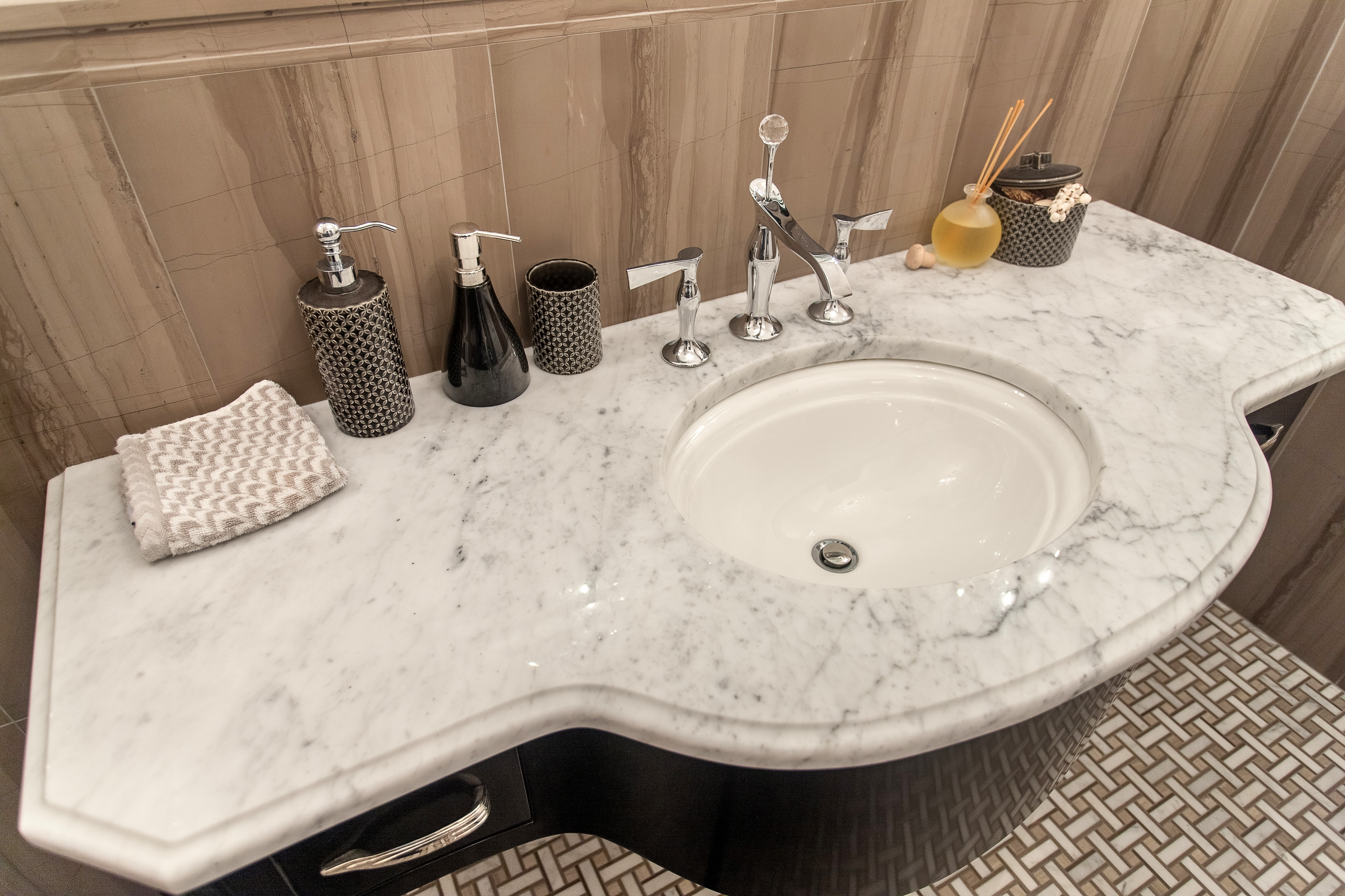 The Different Uses Of White Marble In A Bathroom - How much is a bathroom sink