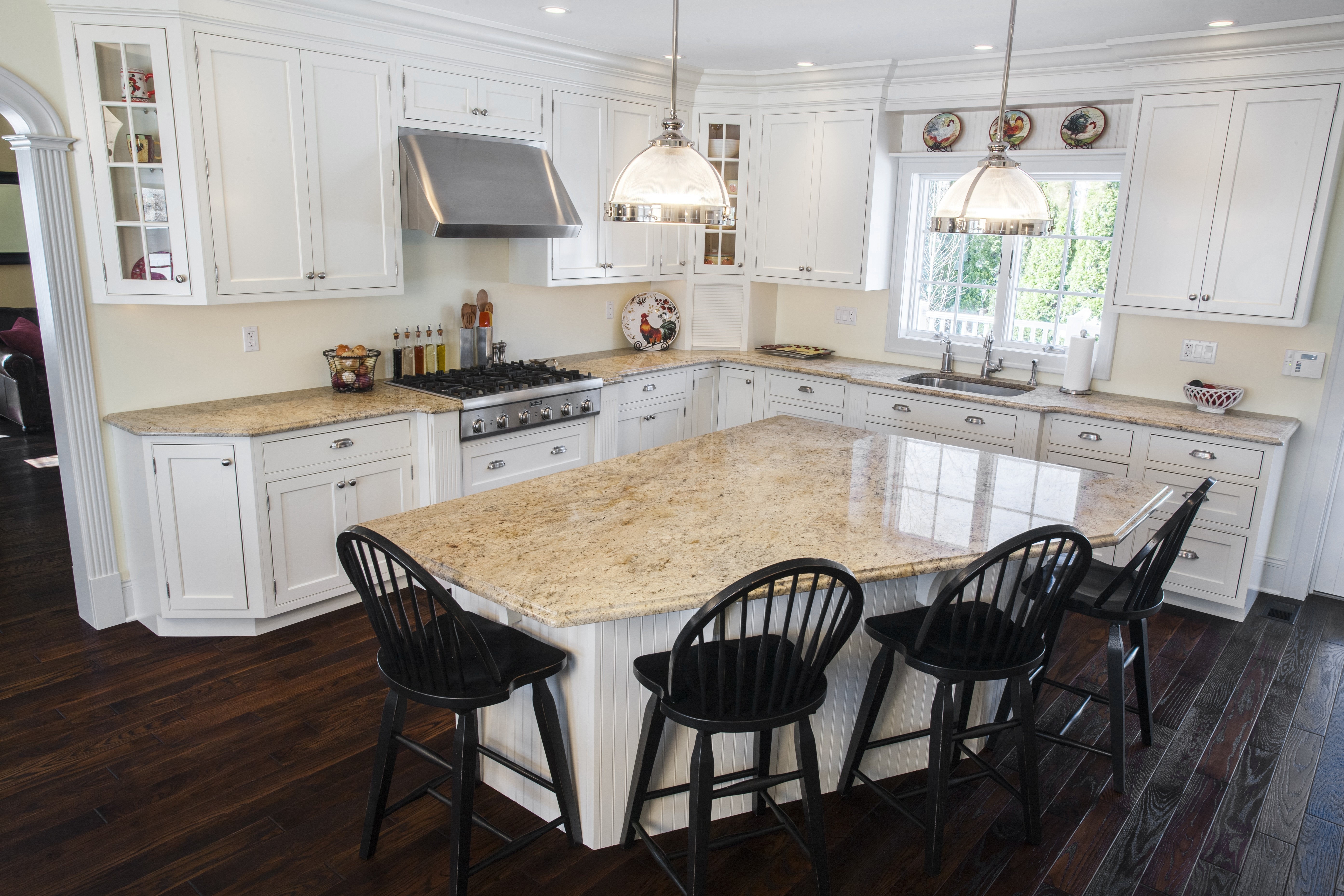 Exceptionnel The Style Of This Kitchen Is Modern And Simple With Light Colored Astoria Granite  Countertops
