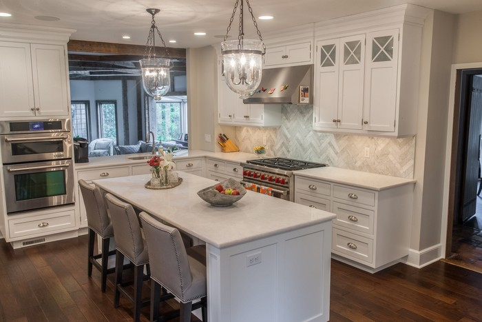 Just Look At The Pristine Snow White Marble Countertops In This Kitchen It S Hard To Imagine A More Inviting Environment For Preparing Great Meal