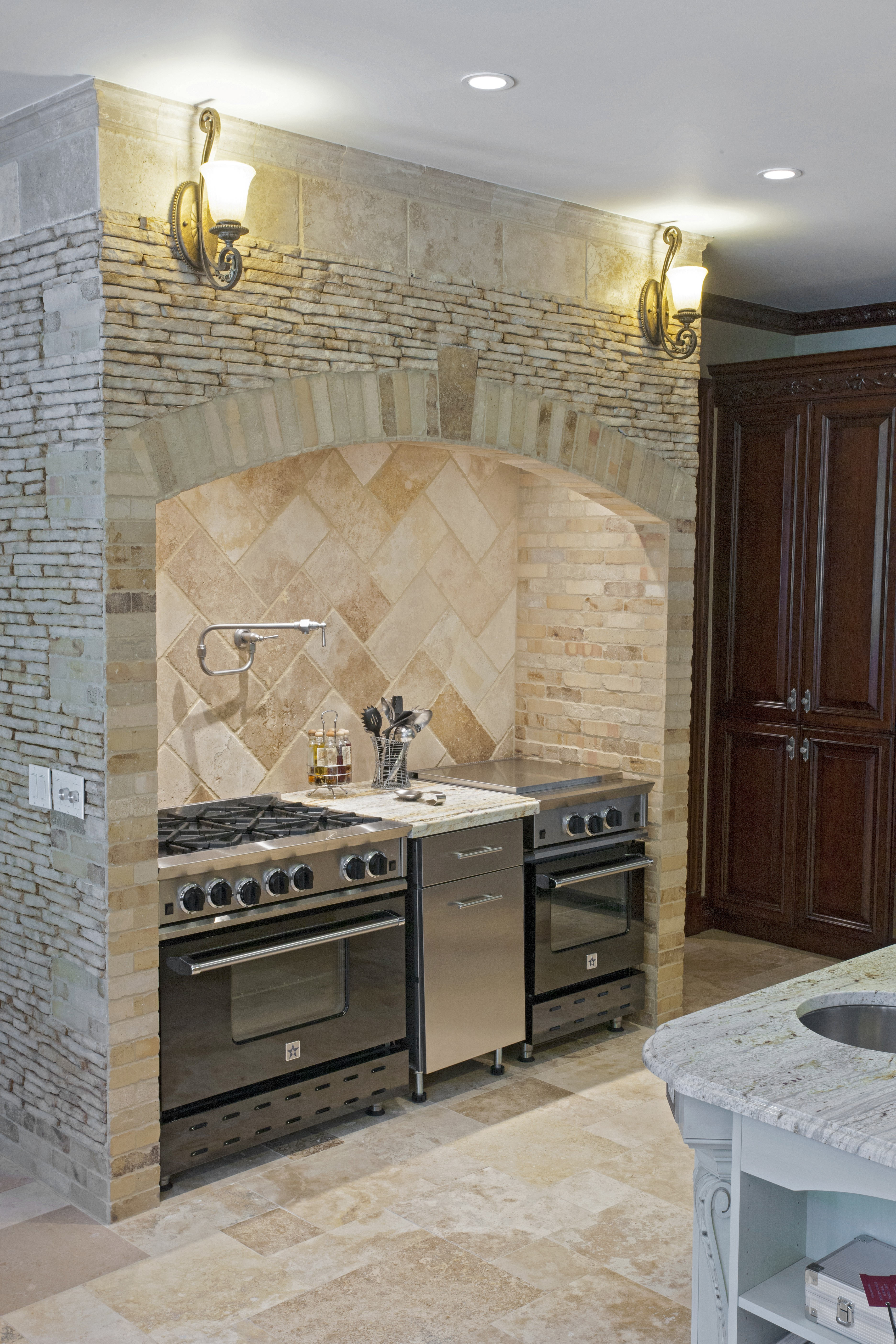 choice for hotel lobbies or convention centers that are meant to impress travertine walls are also growing in popularity among homeowners as well