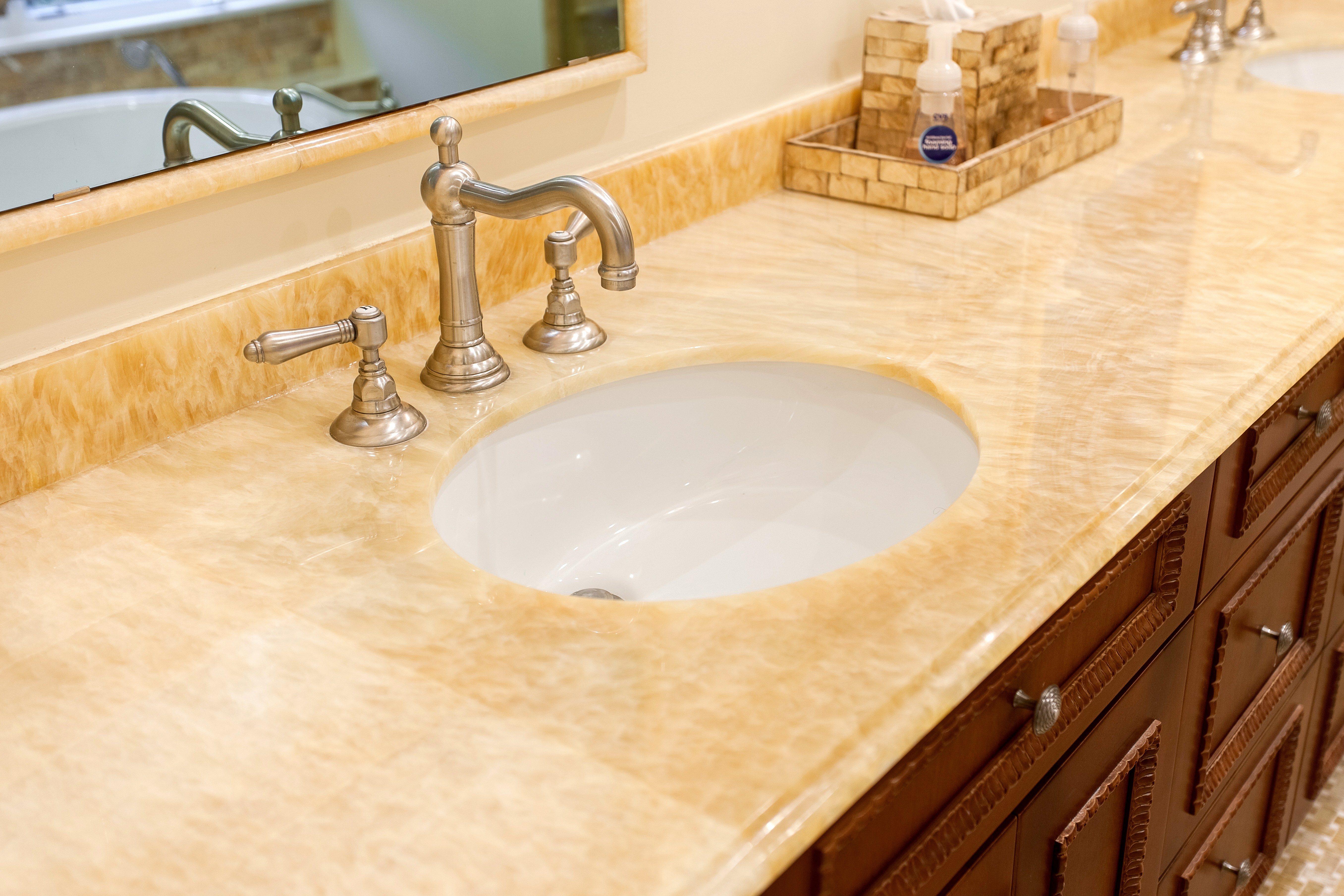 How to remove stains from countertops bathroom - Onyx Is An Amazingly Dramatic Stone That S Commonly Available In Pastel Colors With Swirling Patterns Onyx Is Often Backlit Because Of Its Translucence