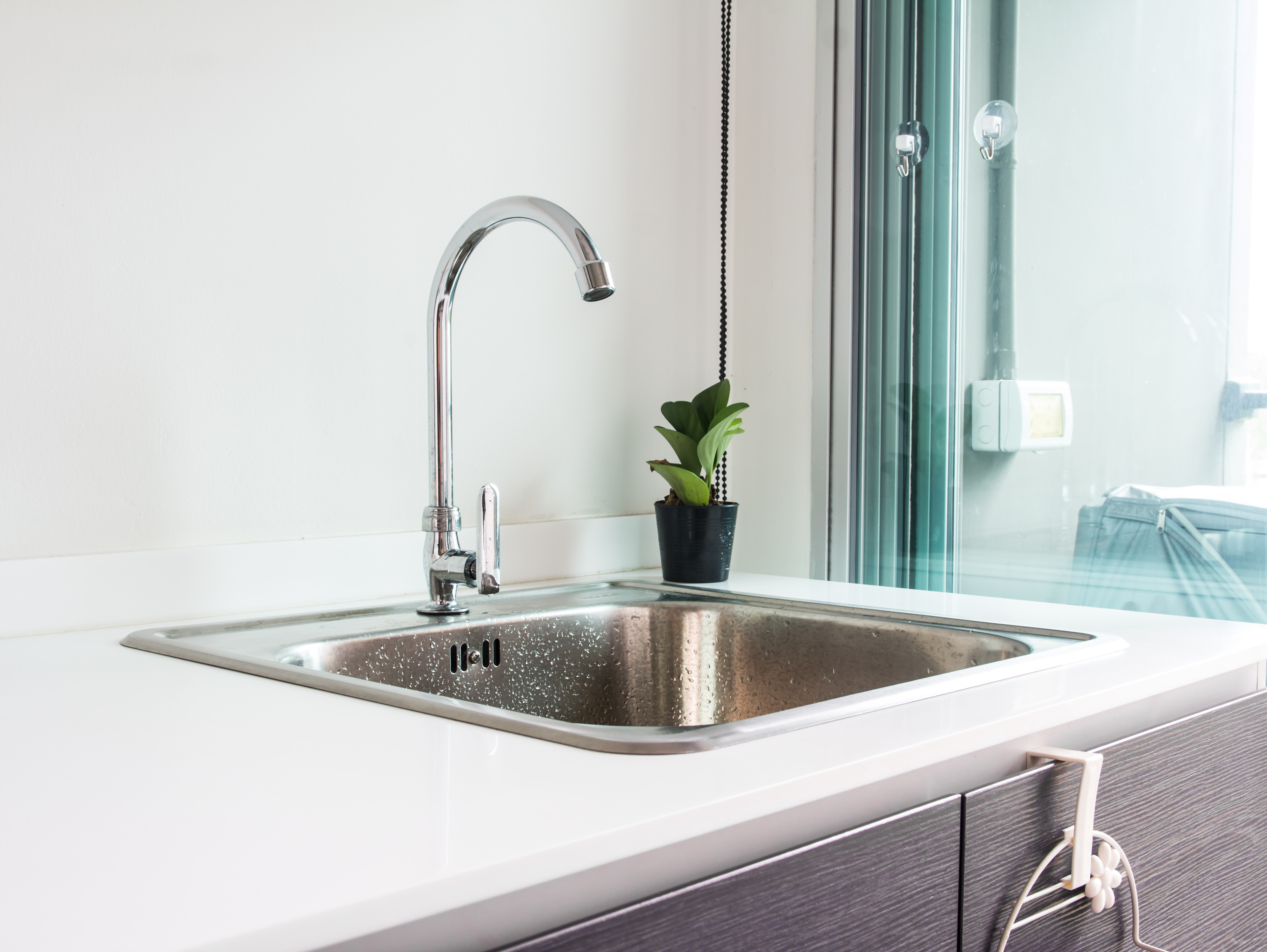 Superieur Under Mount Sinks By Comparison Are Installed From Beneath The Counter, And  Although There Is A Rim Around The Sink It Attaches Underneath The Counter  And ...