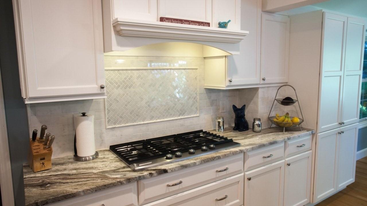 Superb Backsplash Ideas White Cabinets Brown Countertop Air Media Beutiful Home Inspiration Ommitmahrainfo