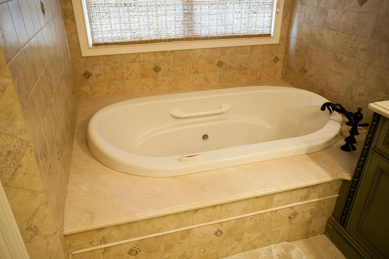 Here is Why Natural Stone is Great for a Bathtub Surround ...