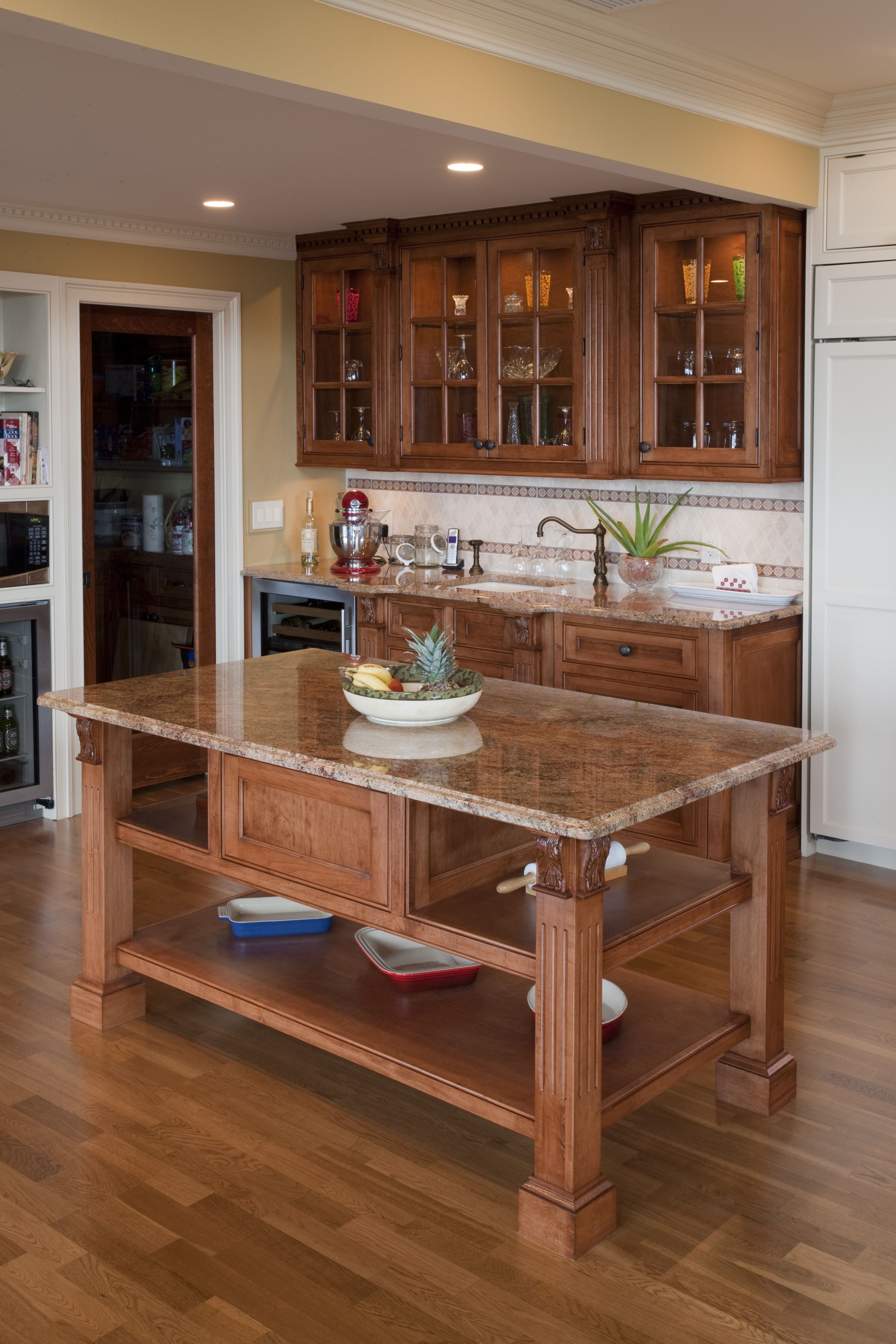 Kitchen Islands, Peninsulas And Even Floating Kitchen Islands Can Be  Incorporated Into Your Kitchen Design To Promote Efficiency And  Productivity.