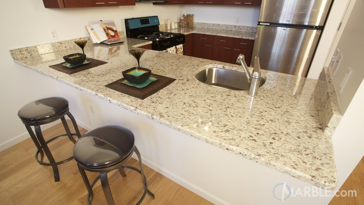 Vanilla granite kitchen countertops