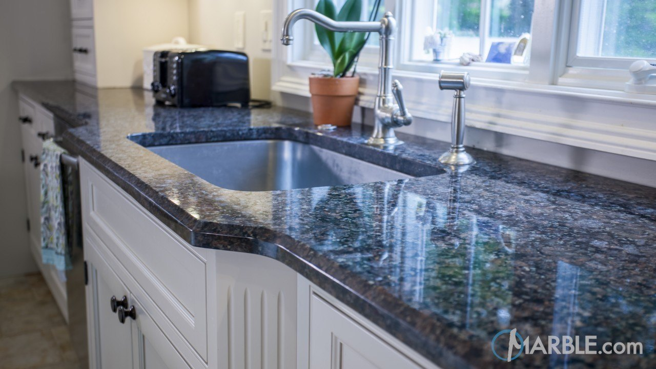 Royal Brown Kitchen Granite Countertop With Large Island